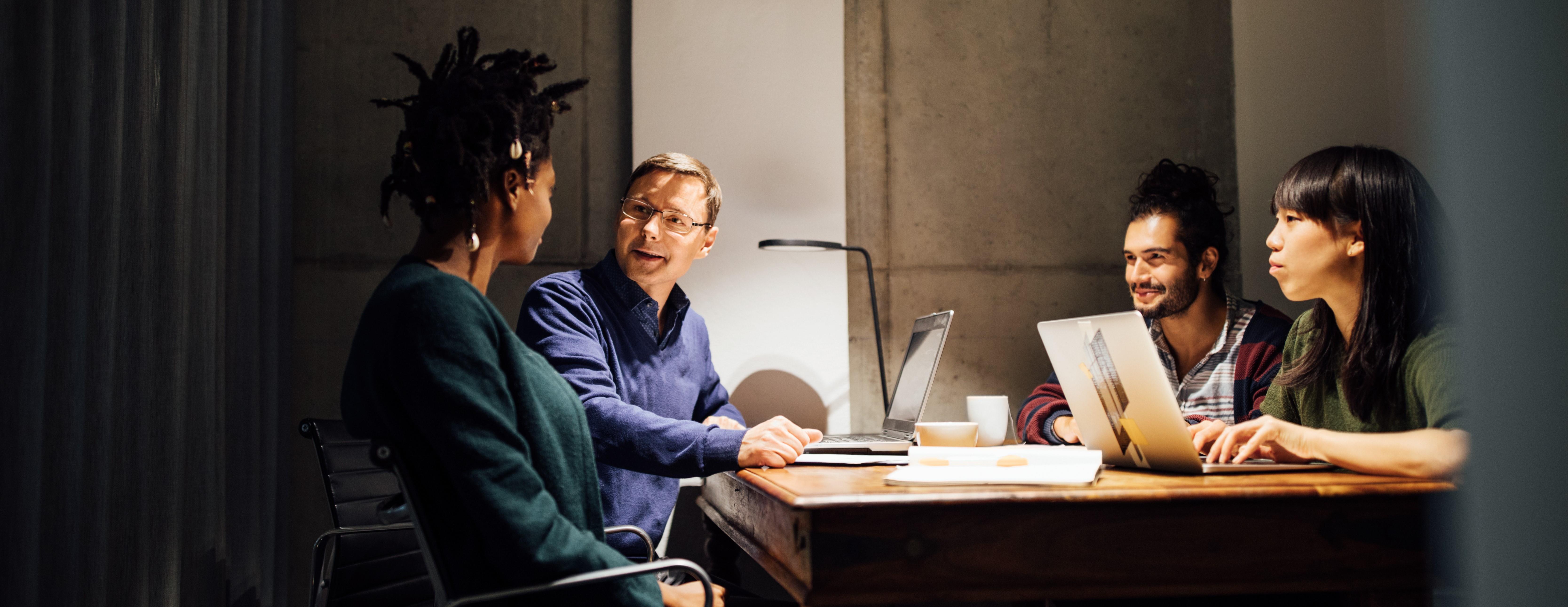 people-in-meeting